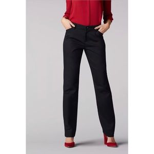 Lee Wrinkle Resistant Relaxed Fit Straight LegPant